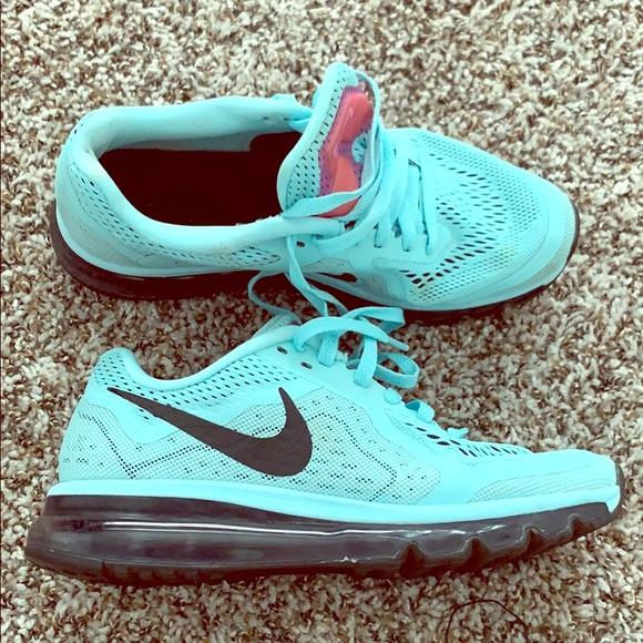 Nike Shoes - Nike Air Max